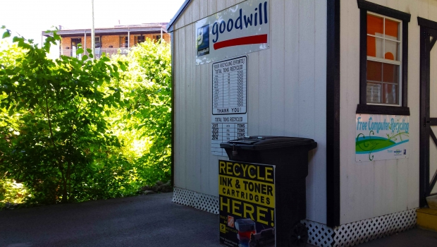 Downtown-Goodwill-Drop-Off-052315